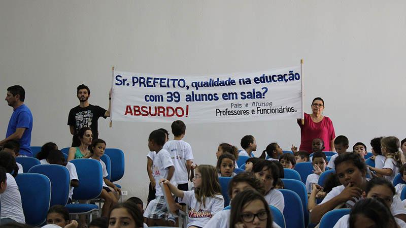 alunos-sala-superlotaçao-herondina