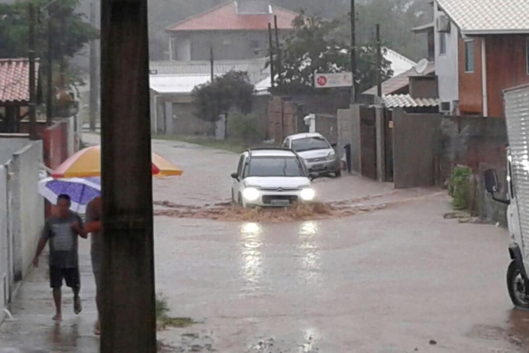 chuva-alagamentos-rio-vermelho
