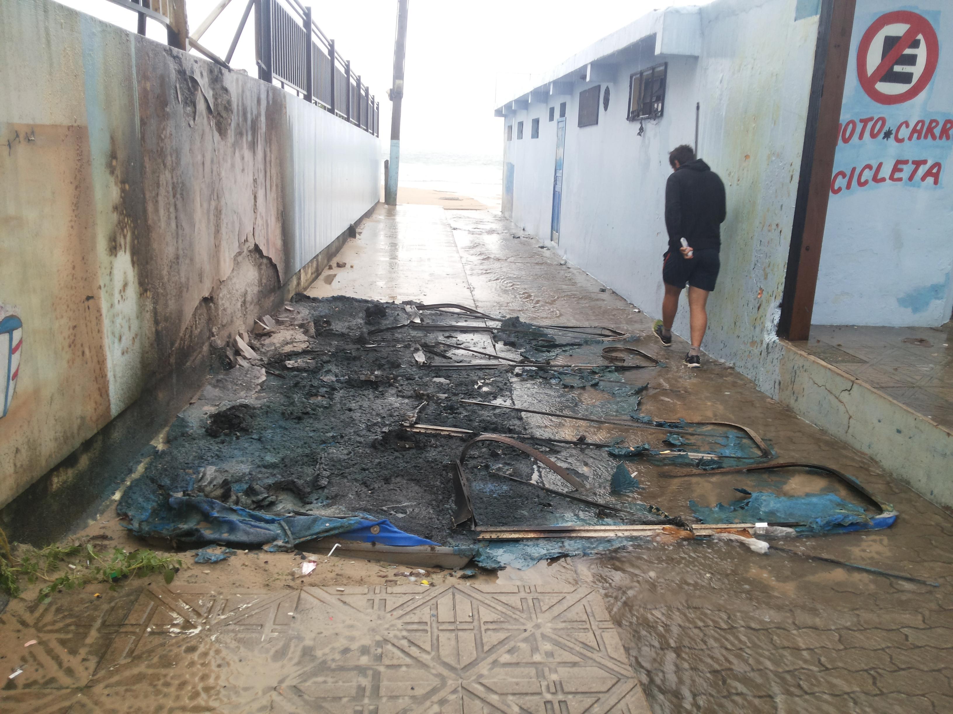 banheiros-fogo-ingleses-vandalismo-prefeitura