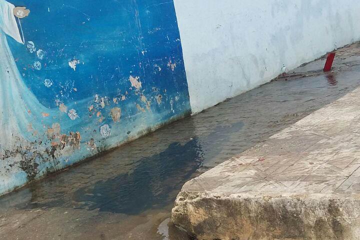 praia-gaivotas-esgoto 3