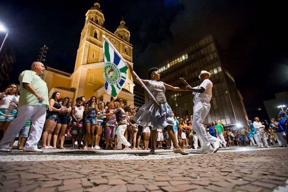 Desfile das Escolas de Samba da Capital será transmitido pela RIC TV Record
