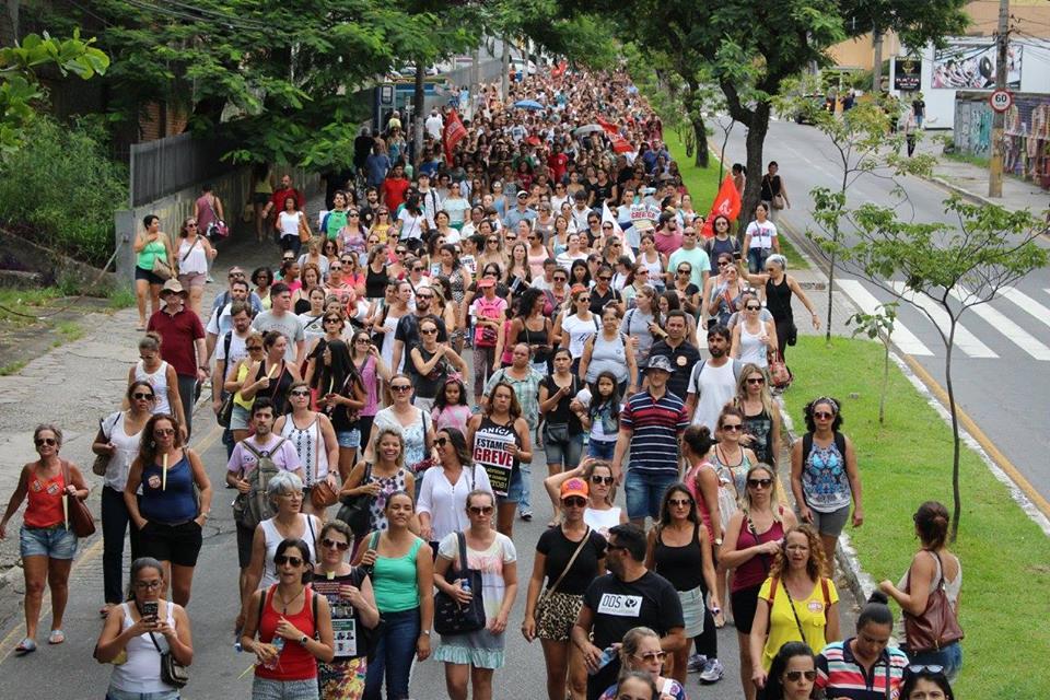 Promotor recomendará ao prefeito processos contra servidores em greve