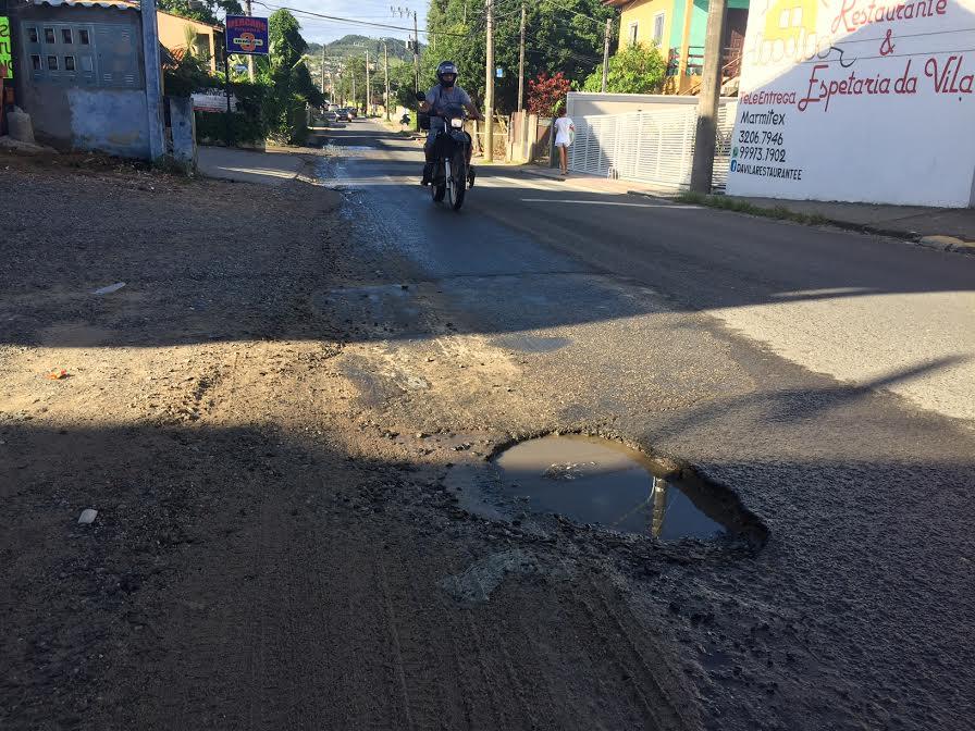 Prefeitura programa operação tapa buracos na Graciliano em Ingleses