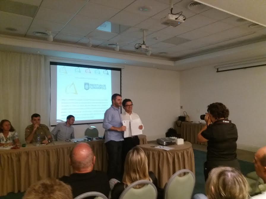 Secretaria municipal de Educação firma parceria com Codeni