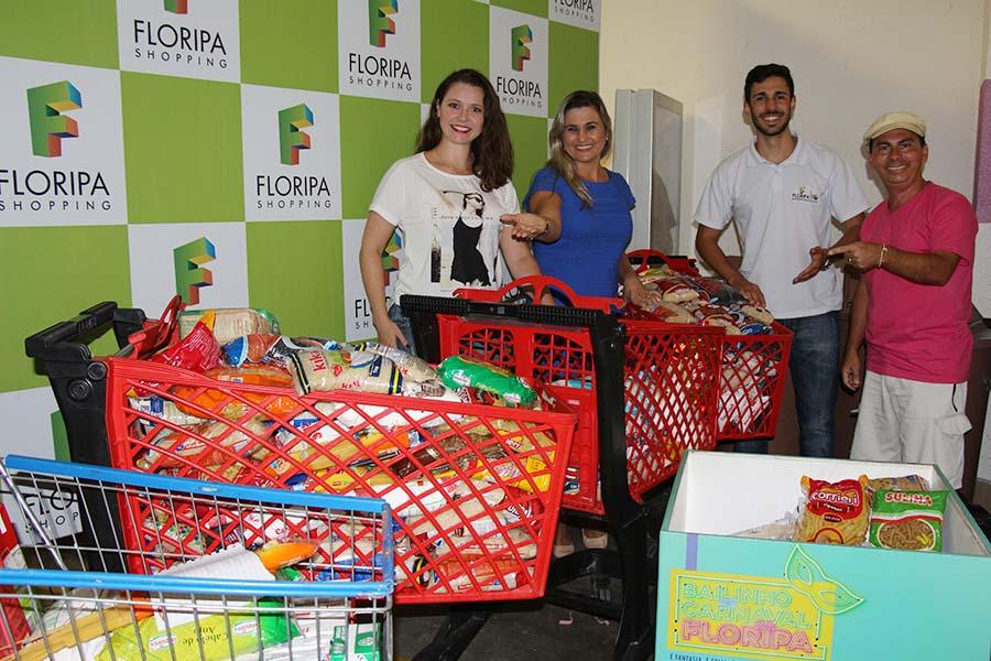 Floripa Shopping e Jornal Conexão entregam doações de alimentos para Casa Lar Semente Viva