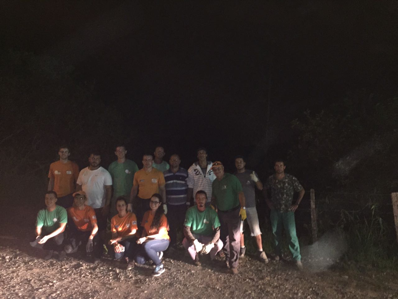 Prefeito Gean coordena força-tarefa para a entrega de telhas no Norte da Ilha