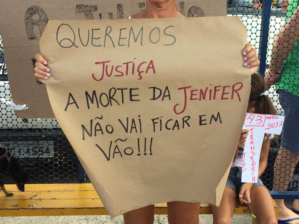 Manifestantes dizem que morte de Jennifer foi por Transfobia