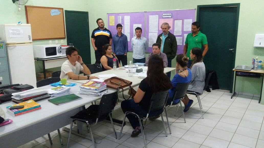 Escola suspende as aulas para segurança dos alunos no Santinho