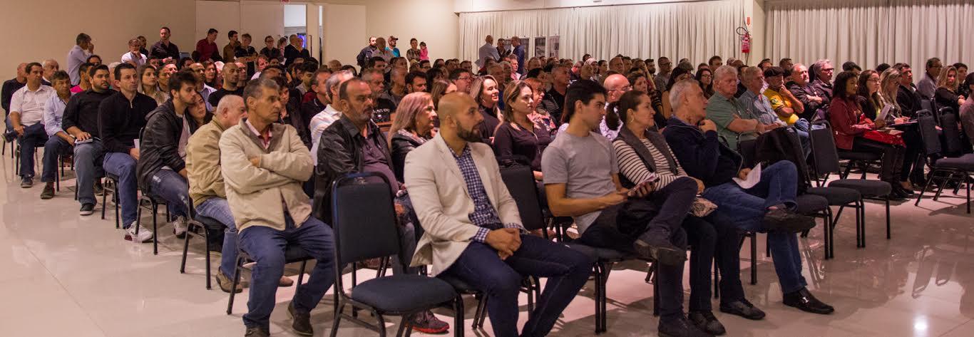 Audiência sobre o Centrinho dos Ingleses reúne mais de 300 pessoas no Norte da Ilha