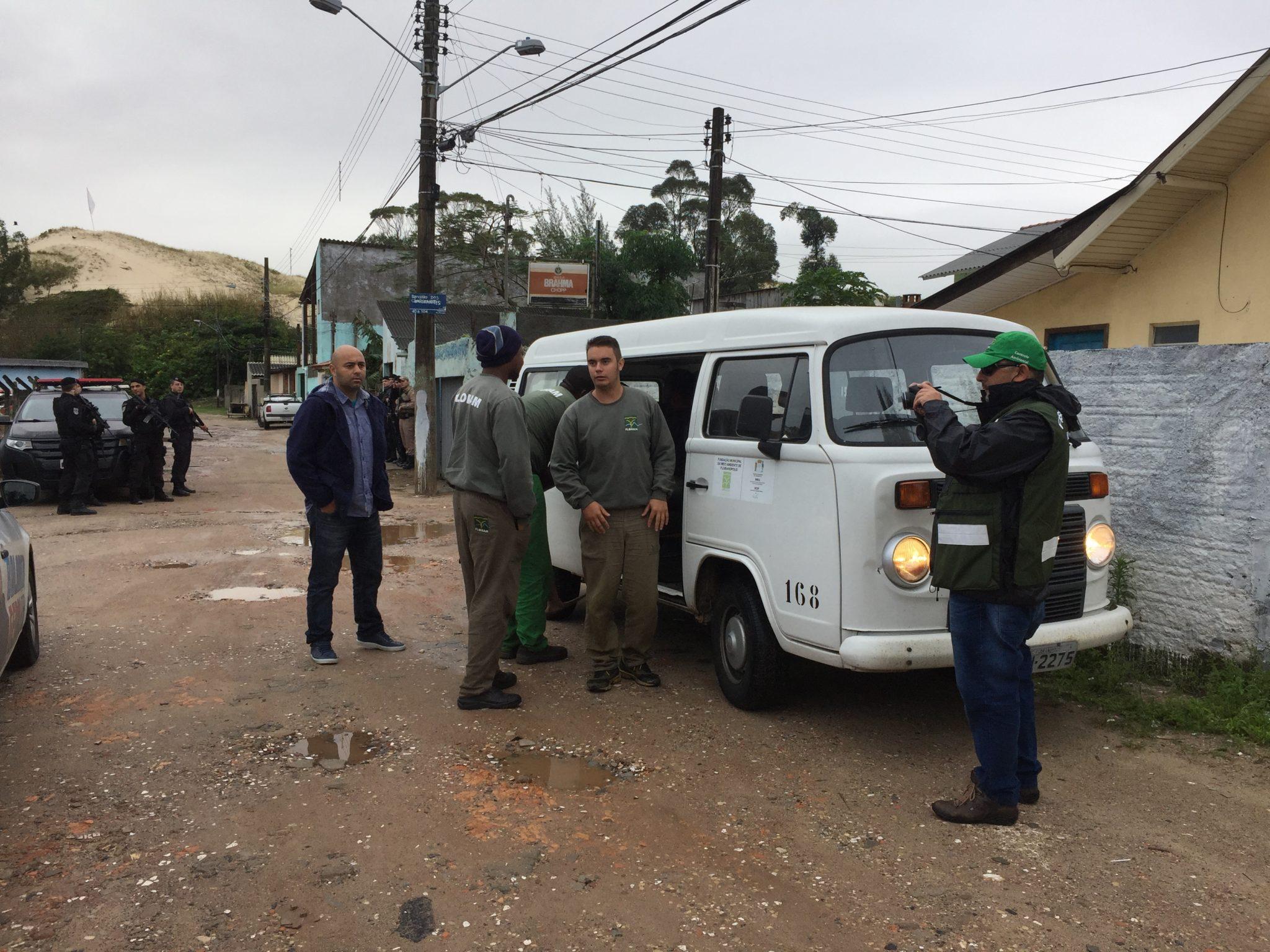 Operação da Floram realiza demolição de novas casas na comunidade do Siri
