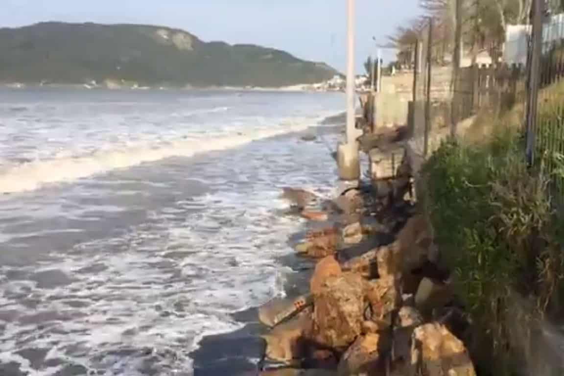 ressaca-praia-norte-da-ilha