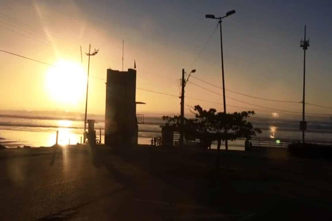 Amanhecer na Praia do Santinho