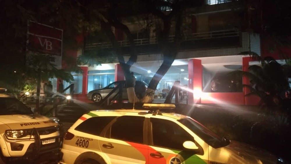 Cinco pessoas são encontradas mortas dentro de apart hotel