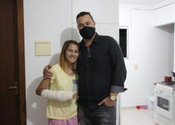 Rebeca e o advogado, Dr Tiago Souza | Foto: Emanuel Soares / Grupo Conexão